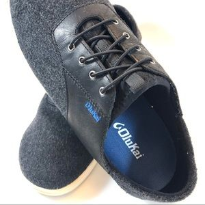 OluKai Shoes - Olukai Black Leather and Charcoal Gray Oxford